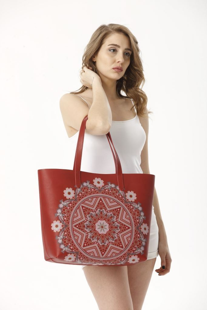 Picture of 17SFCC901 LEATHER SHOPPING BAG